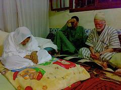 Shaykh Muhammad Bel-Qurshi och Shaykh Abdalhaqq Bewley i zawiyyan i Tourug