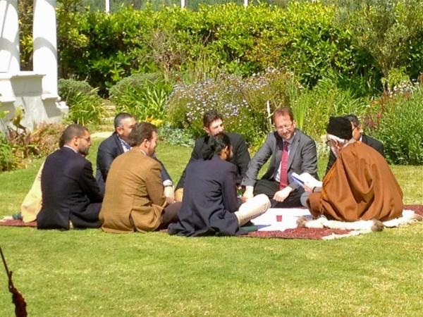 Shaykh Abdalqadir med sina elever
