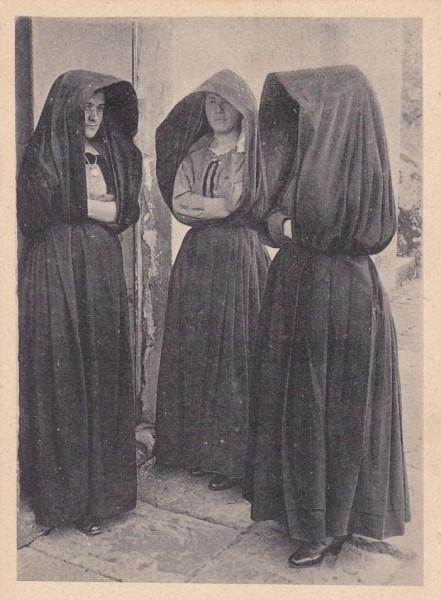 Traditionella kristna kvinnor i Portugal