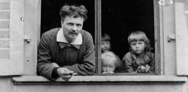 """Kommentar på Strindbergs """"Tal till svenska nationen"""""""